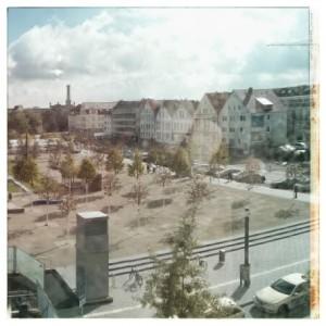 Der Kesselbrink: Von öder Busbahnhofwüste zu... Wüste mit Bäumen